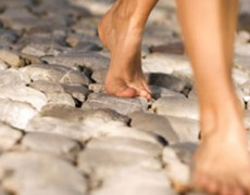 Περπατάμε… χωρίς παπούτσια!