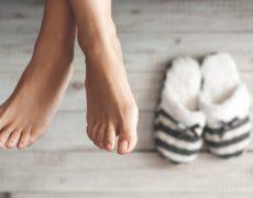 Συμβουλές για να κρατήσετε τα πόδια σας ζεστά το χειμώνα