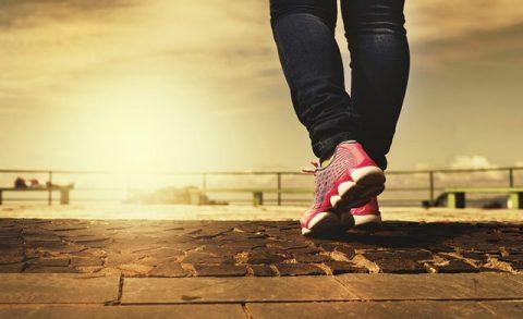 Πόσες ώρες περπάτημα την εβδομάδα χρειάζονται για να μειωθεί ο κίνδυνος πρόωρου θανάτου